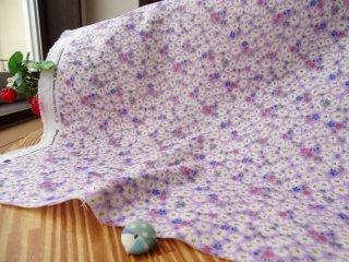 可愛い花絨毯の柔らかダブルガーゼ・パープル