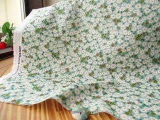 可愛い花絨毯の柔らかダブルガーゼ・グリーン