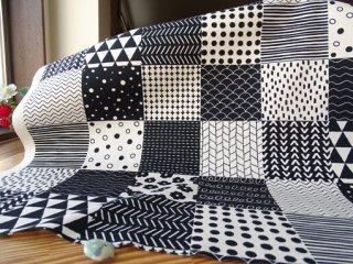 色々模様モノカラーパッチのコットンオックス・生成×ブラック