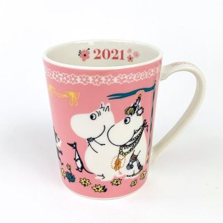 <img class='new_mark_img1' src='https://img.shop-pro.jp/img/new/icons15.gif' style='border:none;display:inline;margin:0px;padding:0px;width:auto;' />Moomin ムーミン イヤーズマグ2021 ムーミン マグカップ コップ 陶器 グッズ 食器 ピンク