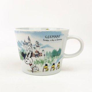 店内セール開催中!10%オフ対象商品 PEANUTS スヌーピー スヌーピー 世界旅行マグカップ ドイツ マグ コップ 食器 陶器  ホワイト 日本製