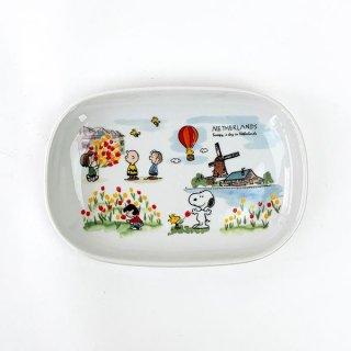 店内セール開催中!10%オフ対象商品 PEANUTS スヌーピー スヌーピー 世界旅行楕円プレート オランダ お皿 食器 プレート ホワイト 日本製