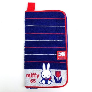 <img class='new_mark_img1' src='https://img.shop-pro.jp/img/new/icons15.gif' style='border:none;display:inline;margin:0px;padding:0px;width:auto;' />ミッフィー miffy どっとポーチ キープスタンド miffy65周年 タオルポーチ ペットボトルカバー グッズ