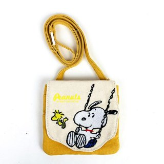 <img class='new_mark_img1' src='https://img.shop-pro.jp/img/new/icons15.gif' style='border:none;display:inline;margin:0px;padding:0px;width:auto;' />スヌーピー SNOOPY ダイカット ハンカチポーチ YE イエロー グッズ  (MCOR)
