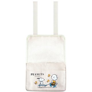 <img class='new_mark_img1' src='https://img.shop-pro.jp/img/new/icons15.gif' style='border:none;display:inline;margin:0px;padding:0px;width:auto;' />スヌーピー PEANUTS アームレストポケット カー用品