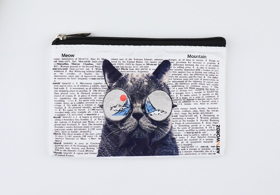 <img class='new_mark_img1' src='https://img.shop-pro.jp/img/new/icons1.gif' style='border:none;display:inline;margin:0px;padding:0px;width:auto;' />ポーチS(Meow(Mt.Fuji))