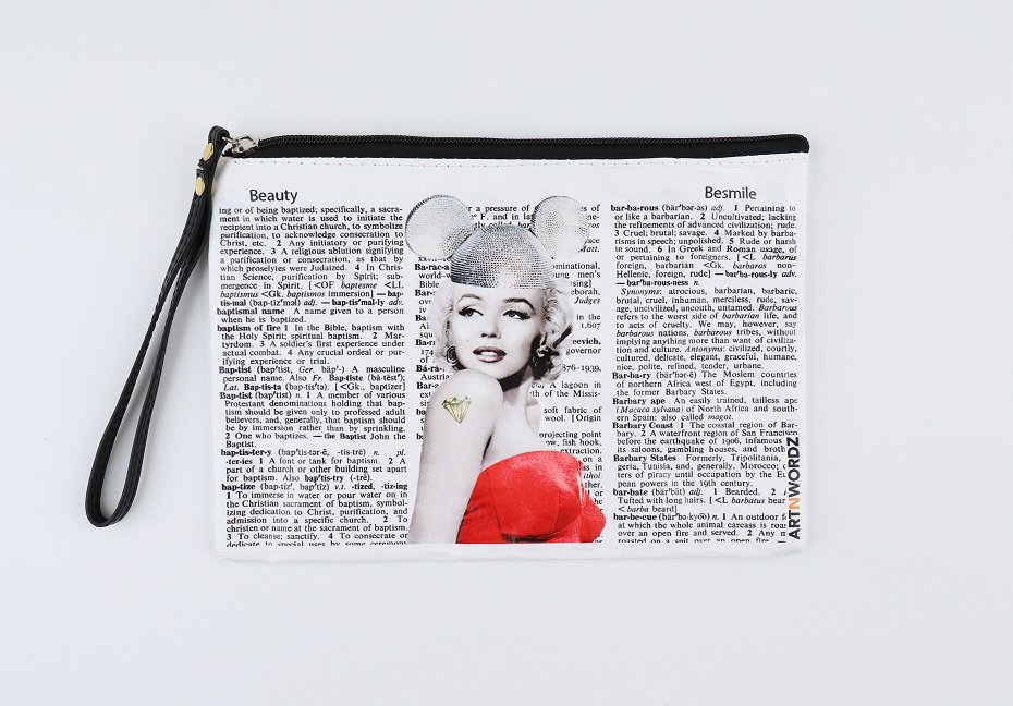 <img class='new_mark_img1' src='https://img.shop-pro.jp/img/new/icons1.gif' style='border:none;display:inline;margin:0px;padding:0px;width:auto;' />ポーチM(Marilyn Forever)
