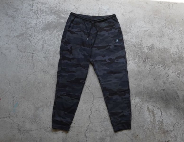 KRATVS(クラブズ)-EMBLEM SWEAT PANTS