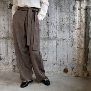 <img class='new_mark_img1' src='https://img.shop-pro.jp/img/new/icons20.gif' style='border:none;display:inline;margin:0px;padding:0px;width:auto;' />【VillD】Tweed Pants
