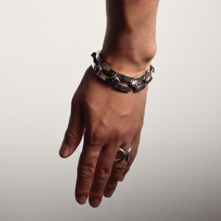 <img class='new_mark_img1' src='https://img.shop-pro.jp/img/new/icons8.gif' style='border:none;display:inline;margin:0px;padding:0px;width:auto;' />【vintage jewelry】Square Chain Bracelet / Lisa Jenks