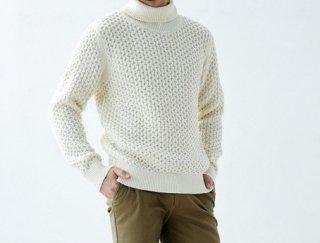 タートルネックウールセーター