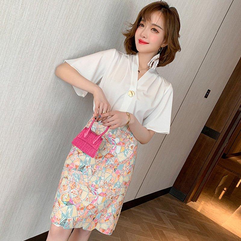 【即納】ビジュー刺繍タイトスカート