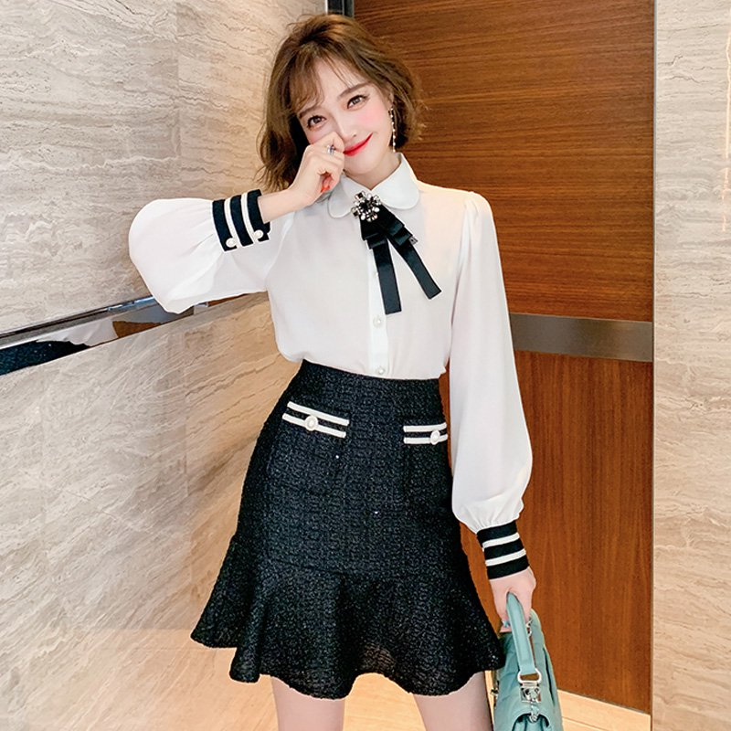 リボン付きパフスリーブシャツ×ツイード裾フリルミニスカート