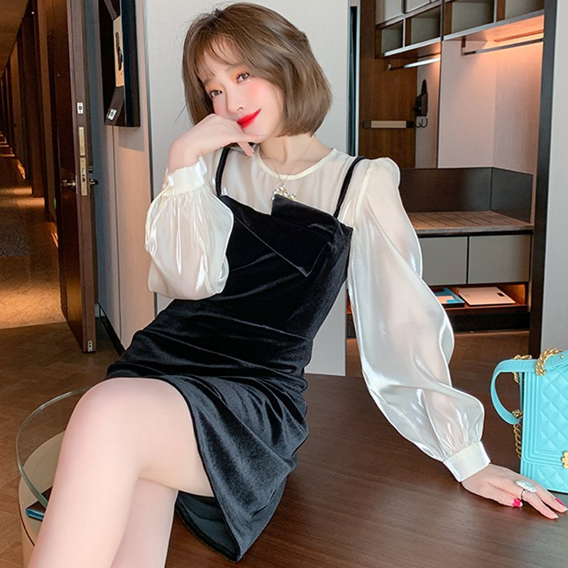 <img class='new_mark_img1' src='https://img.shop-pro.jp/img/new/icons14.gif' style='border:none;display:inline;margin:0px;padding:0px;width:auto;' />パフスリーブブラウスドッキングベロアワンピース
