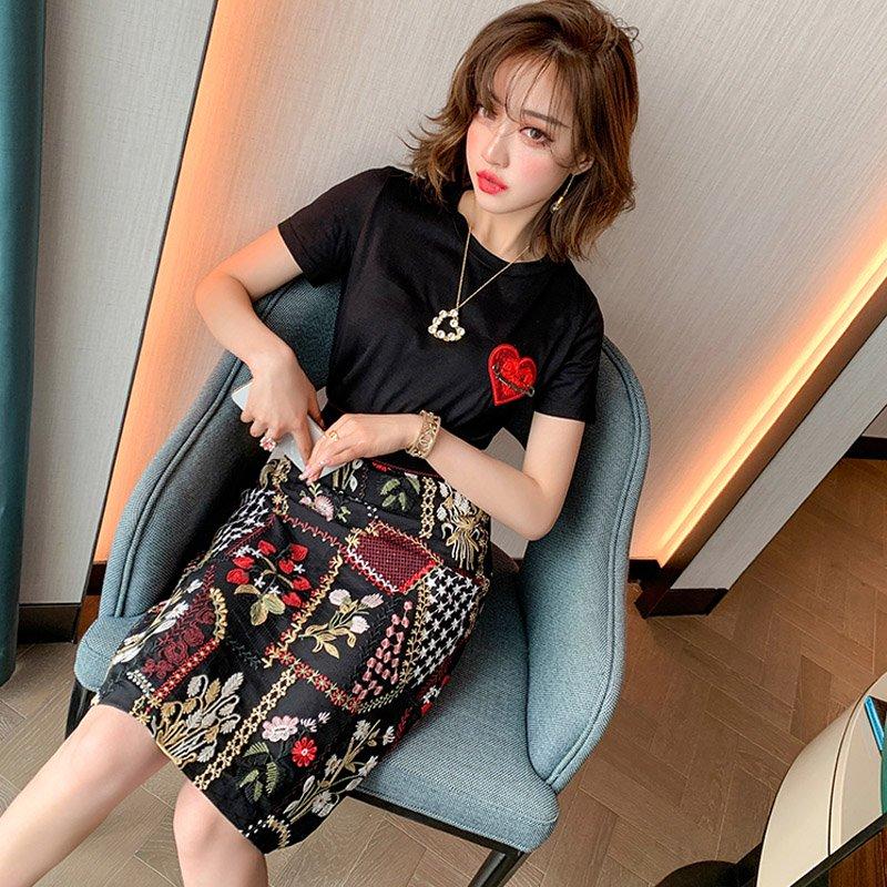 ハート刺繍Tシャツ(2colors)×パッチワーク刺繍タイトスカート【上下別売り可】