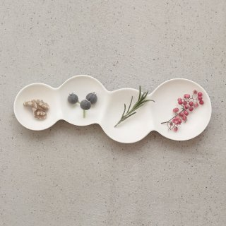 METAPHYS|メタフィス 自然が作り出す美しいフォルム 重なり合うシャボン玉のリズムを表現したsavone 4連仕切り皿 グロスホワイト 艶あり