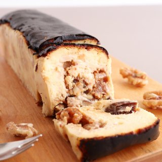 いちじくとくるみのバスクチーズケーキ【冷凍配送】