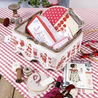 再入荷:Little embroiderers(小さな刺繍)スカラップバンド クロスステッチキット