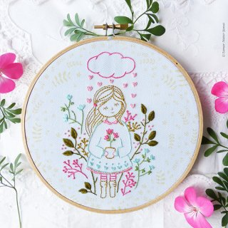 Cloud Raining Hearts (雨の中の女の子)刺繍キット<br>