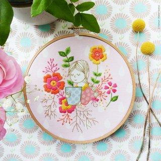 Garden Lady(お庭の女の子) 刺繍キット<br>