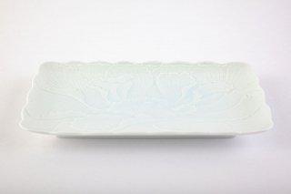 青白磁牡丹彫【焼物皿】