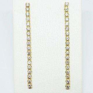 お洒落なロングタイプの眩い煌めきを放つダイヤモンドピアス K18YG