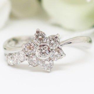 お花モチーフのダイヤモンドリング PT900
