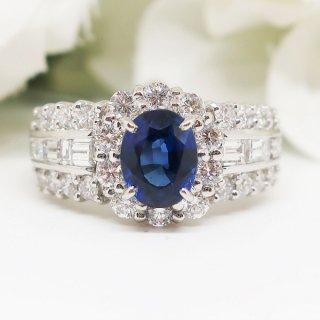 高貴な輝きを放つブルーサファイアのリング PT900