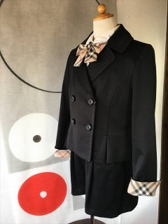 (G-150-24)バーバリーのスーツ150cm