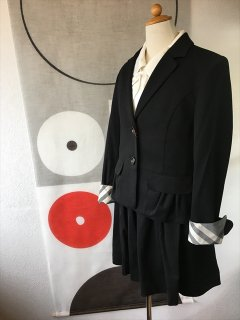 (G-150-25)バーバリーのスーツ150cm