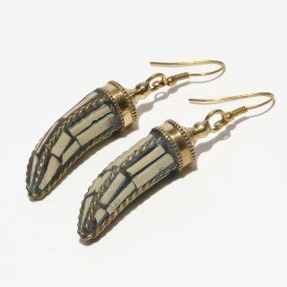 角型アフガントラディショナルデザインピアス|ホワイト 真鍮製 フックピアス|ハンドメイド|Afghan Earring