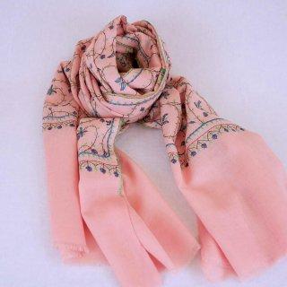 手刺繍 ソズニ刺繍 ジャリ|メリノウール 100% ストール|生地:ピンク|刺繍糸(3色):黄緑色/濃い水色/エンジ色