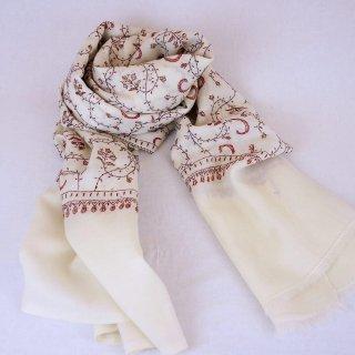 手刺繍 ソズニ刺繍 ジャリ|メリノウール 100% ストール|生地:オフホワイト|刺繍糸(4色):茶色/エンジ色/オレンジ色/赤色