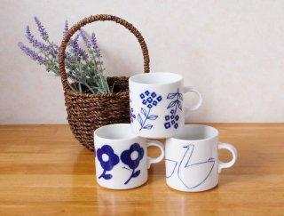 手描きのタッチがかわいいシンプルなマグカップ