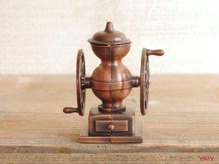 アンティークな鉛筆削り - コーヒーグラインダー