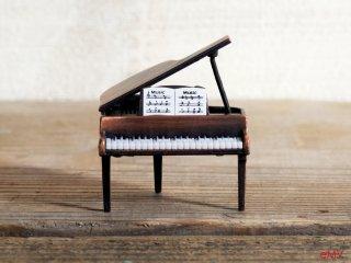 アンティークな鉛筆削り - グランドピアノ