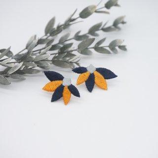 leaf ピアス