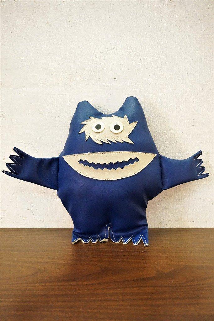 USA製 ナウガモンスター / Nauga Monster