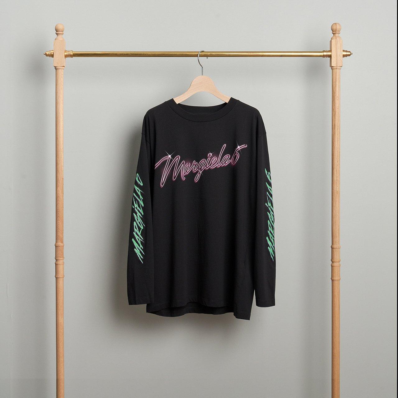 MM6 Maison Margiela PARIS <BR>ロゴ 長袖Tシャツ<BR>BLACK