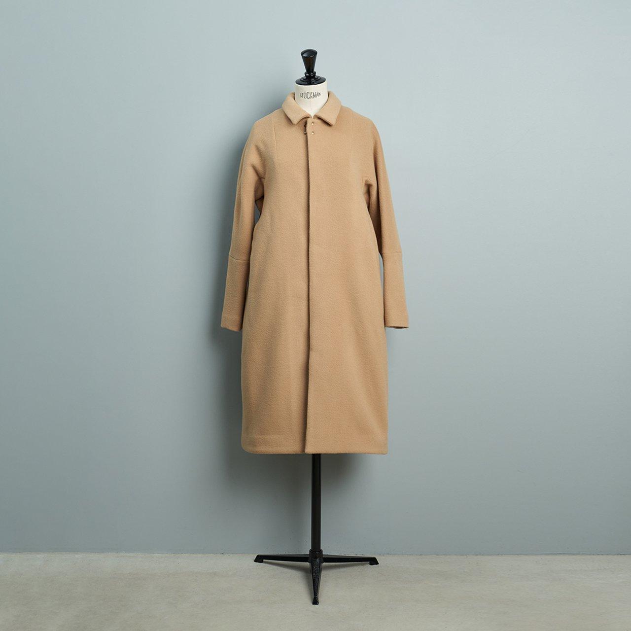 suzuki takayuki <BR>stand-fall-collar coat �<BR>beige