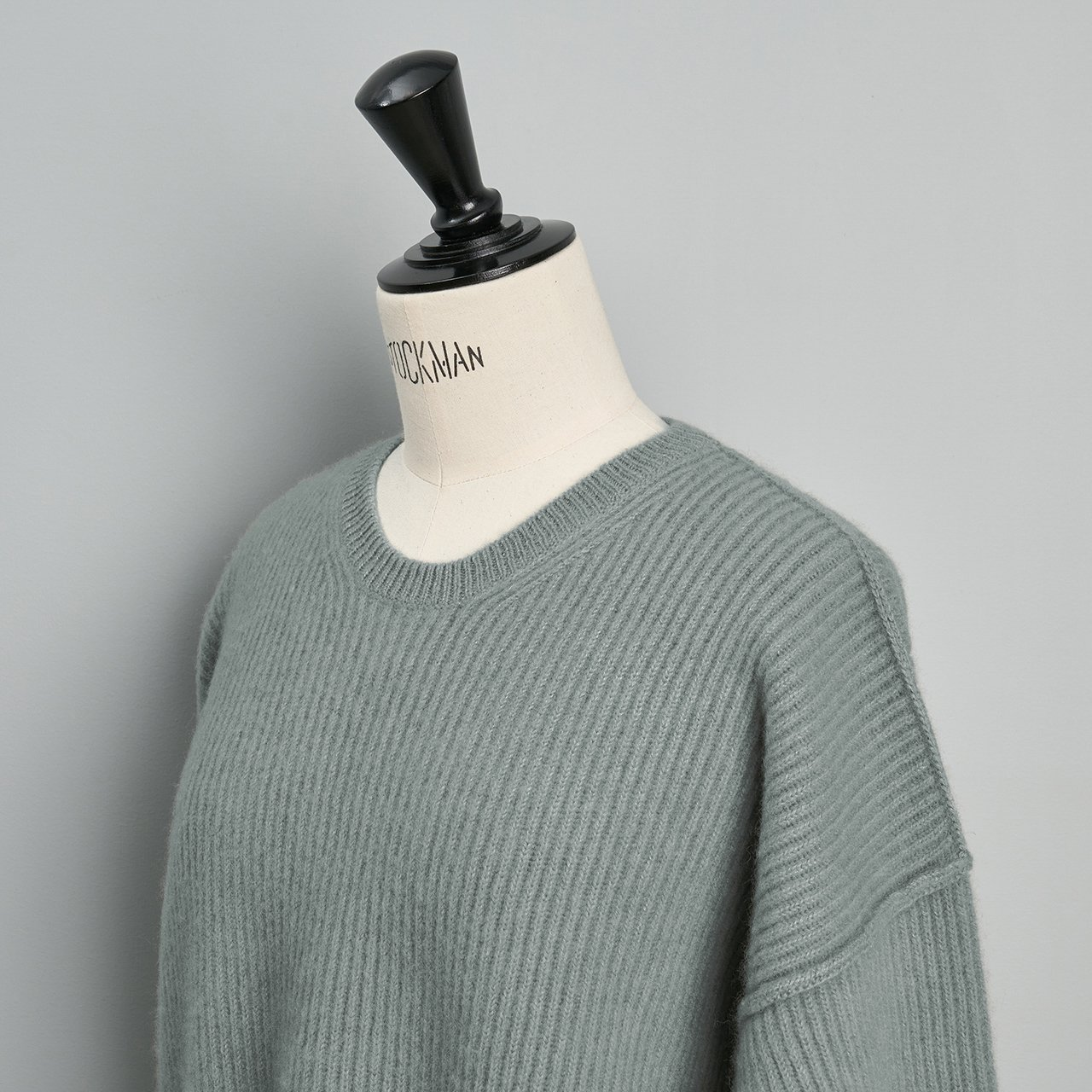 seya.<BR>double rib cashmere crew neck sweater