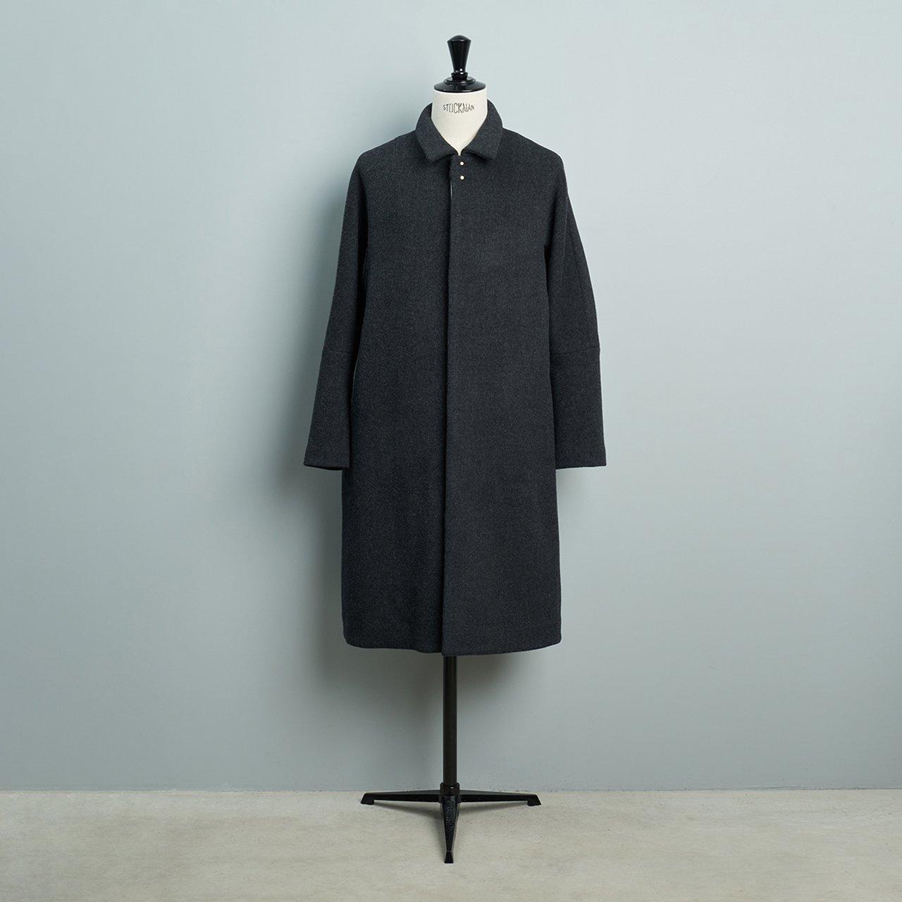 suzuki takayuki <BR>men's <BR> stand-fall-collar coat �<BR>dark gray