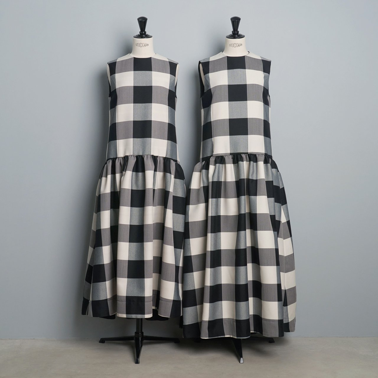 Pale Jute <BR>Block Check dress<BR>black × ivory