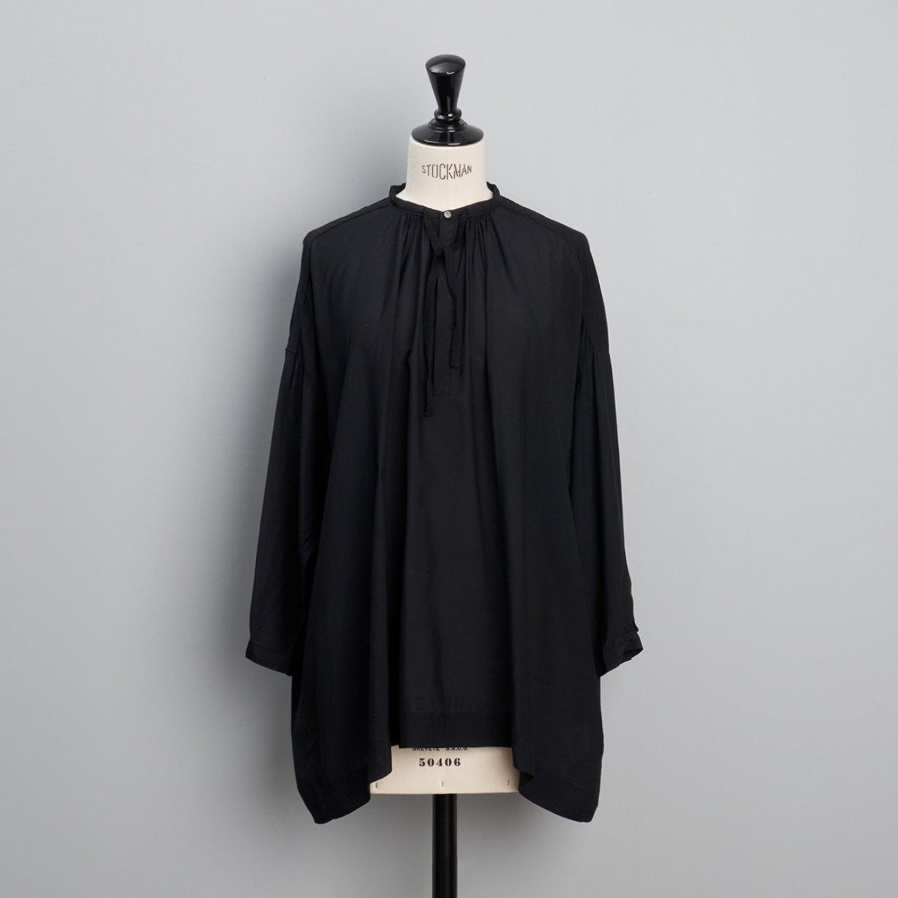 suzuki takayuki<BR>slip-on blouse<BR>black