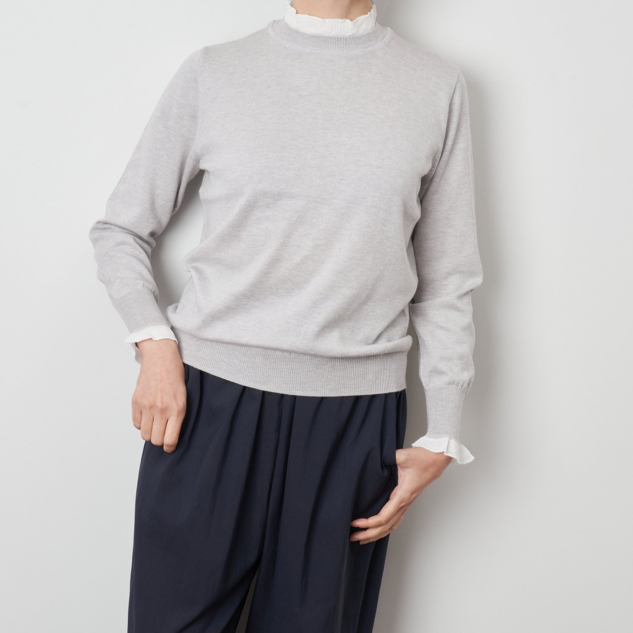 Pale Jute <BR>White frill knit P/O<BR>PaleJute