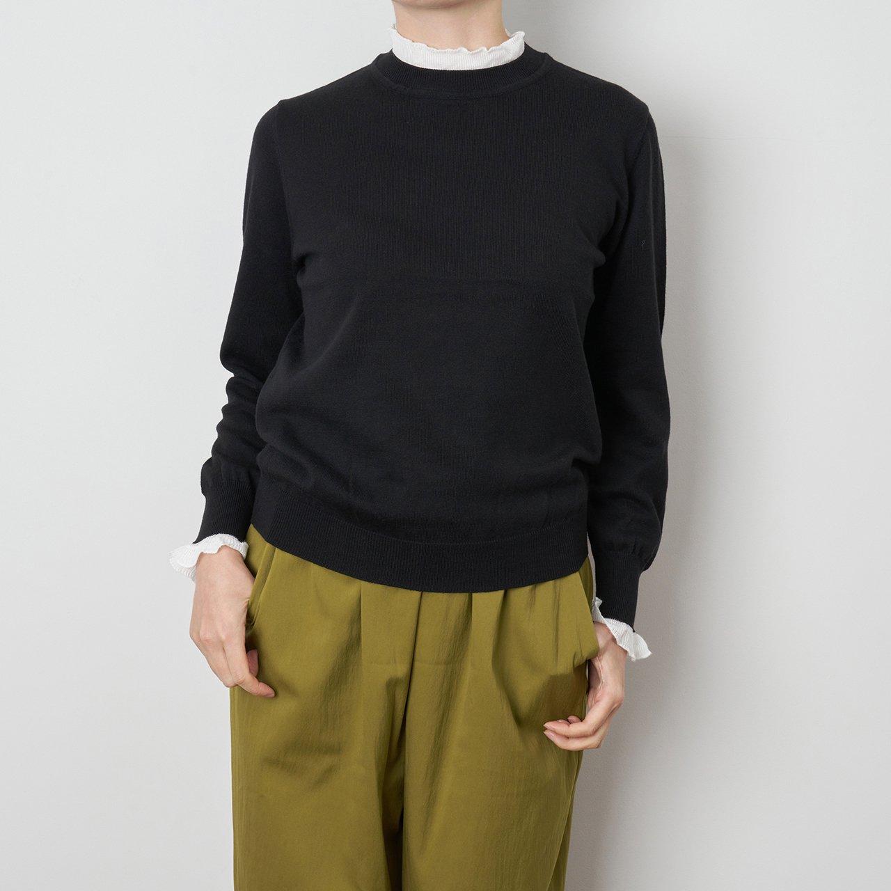 Pale Jute <BR>White frill knit P/O<BR>Black
