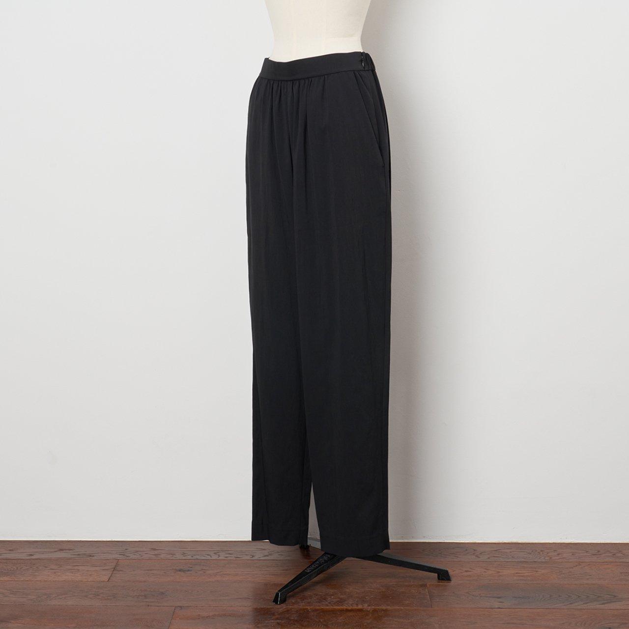 Pale Jute <BR>basic gather pants<BR>black