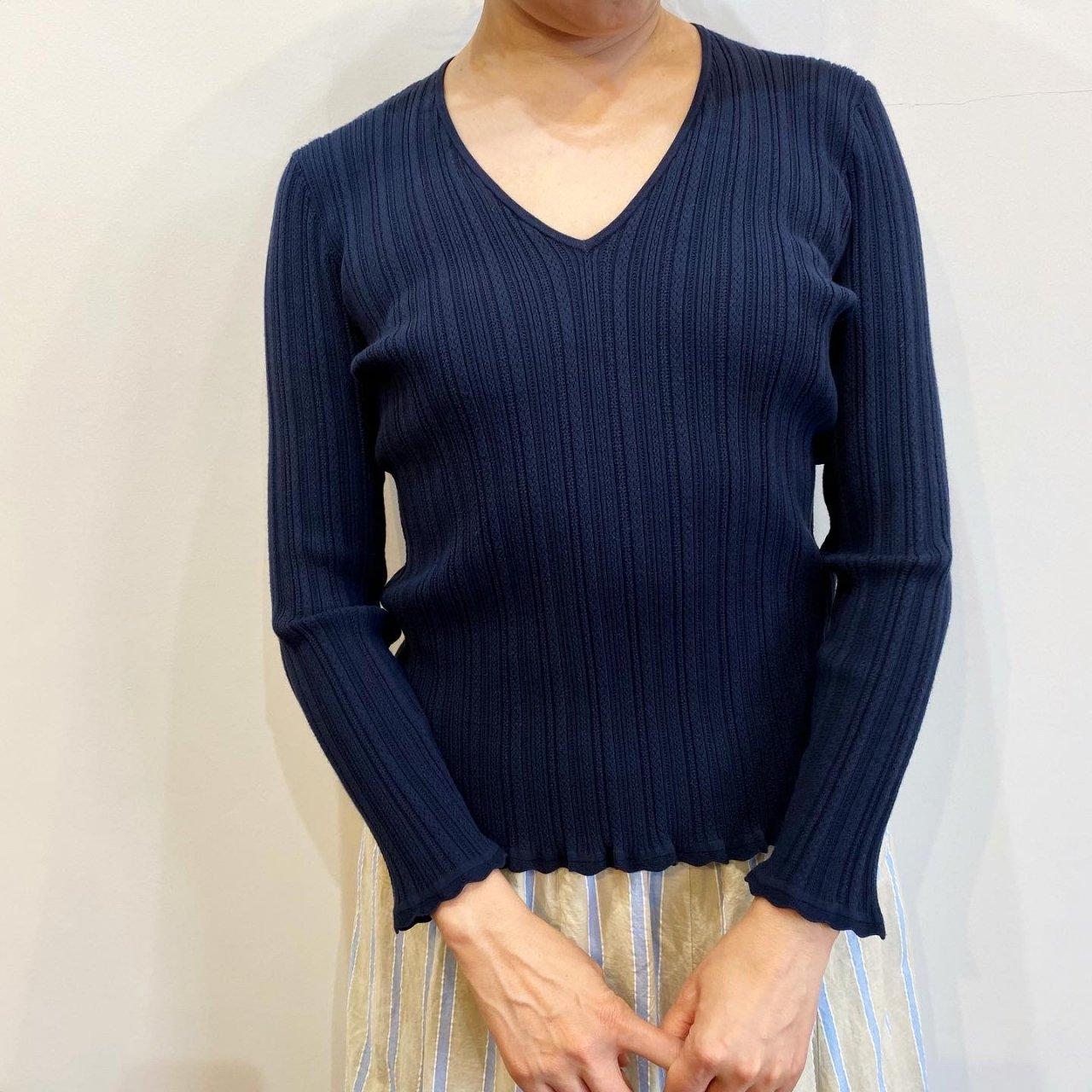 Pale Jute <BR>Eyelet knit V-neck<BR>Navy