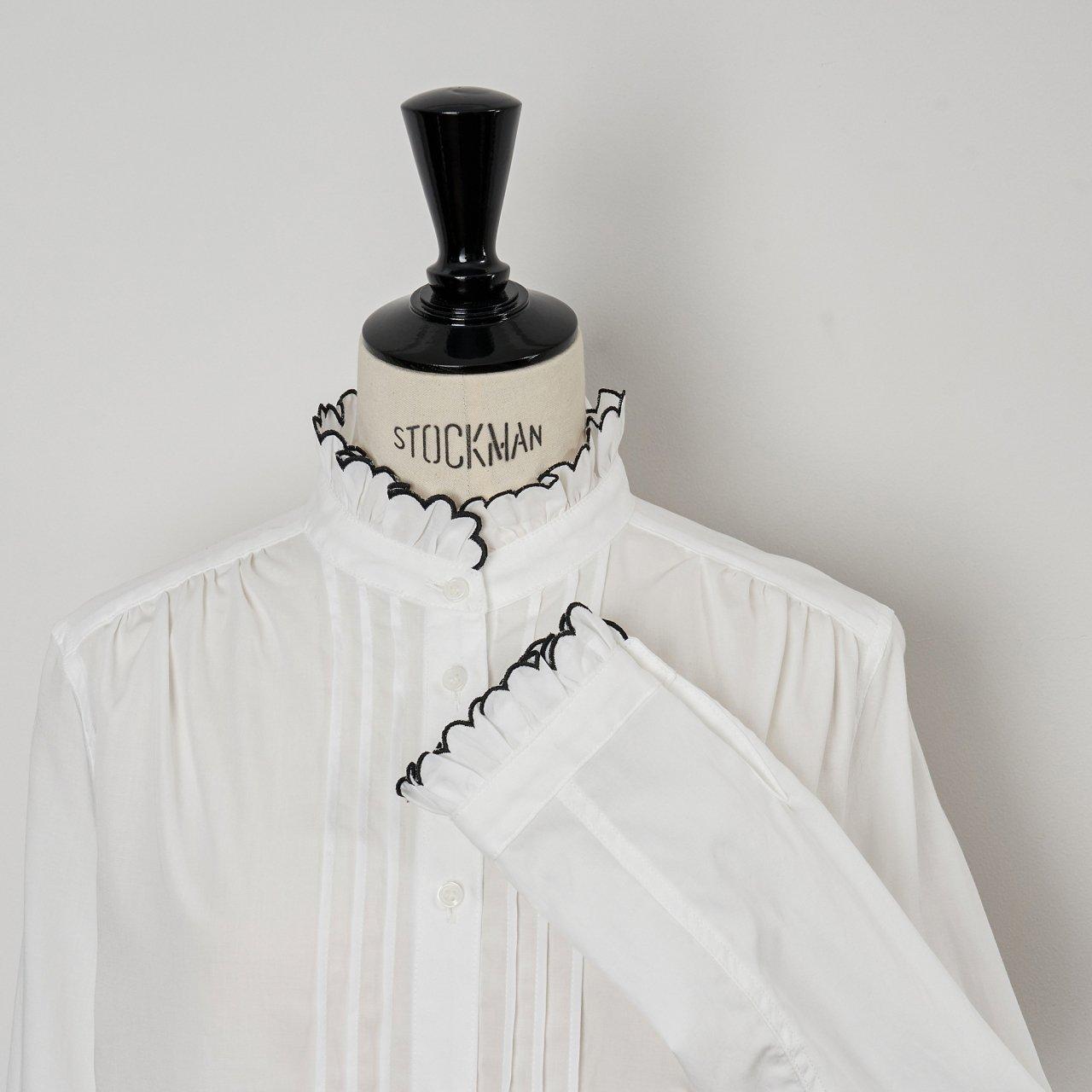 SINME<BR>スカラエンブロイダリーシャツ<BR>ホワイト×ブラック
