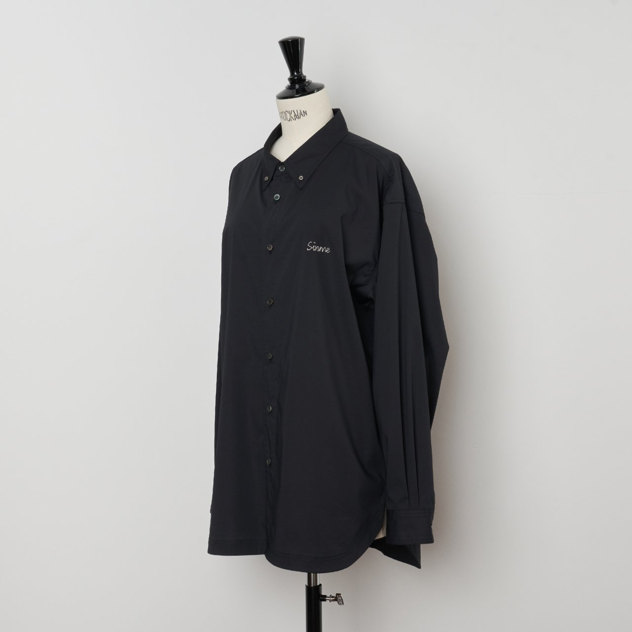 SINME<BR>オーバーサイズシャツ<BR>ブラック×ホワイト